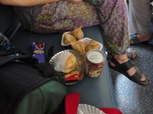 Nossas samusas no trem.